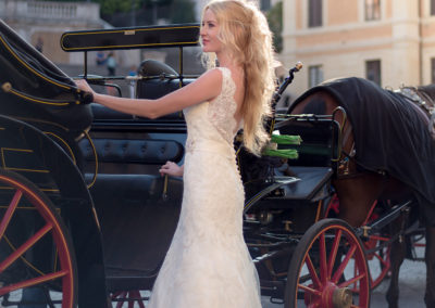 фото в риме невеста повозка