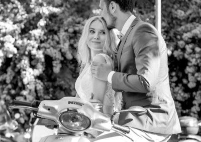 wedding photo photographer Rome Italy vespa moto