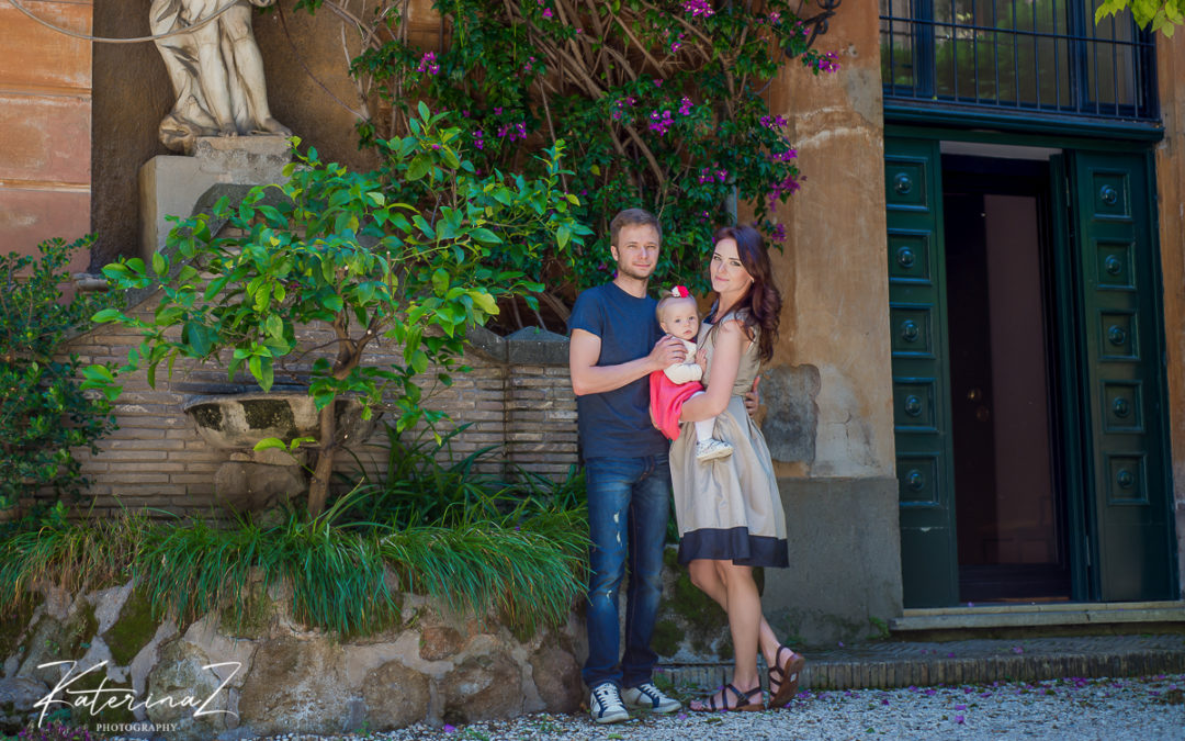 Family pictures in Rome at Spanish Steps and Villa Borghese Gardens !