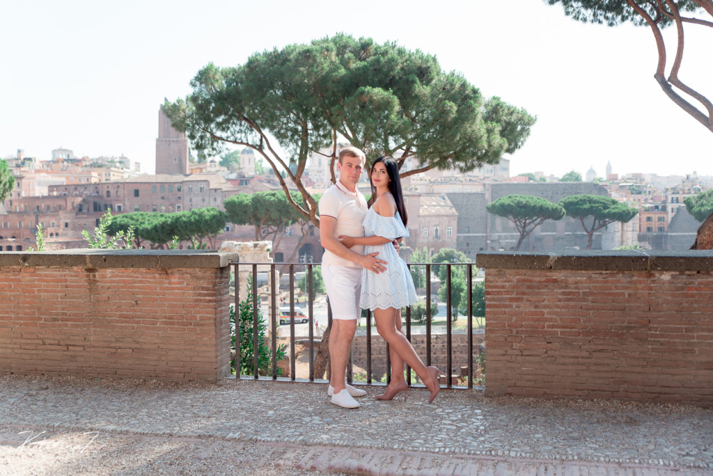 This image has an empty alt attribute; its file name is Post-wedding-photography-session-in-Rome-59-1024x684.jpg